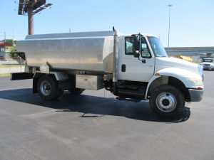buy used fuel truck 071862