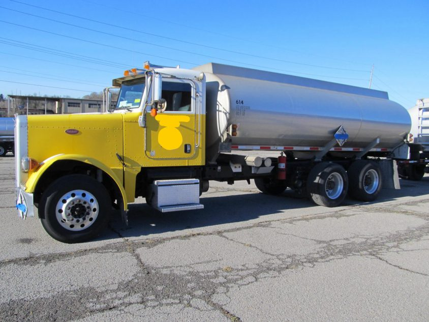 Buy Used Fuel Truck: 2007 Peterbilt 379 Tandem Axle
